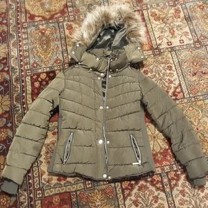 Olive Green Puffer Jacket & removable hood